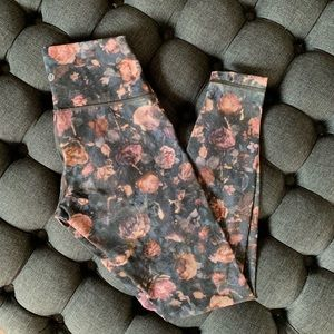 Lululemon rose yoga pants